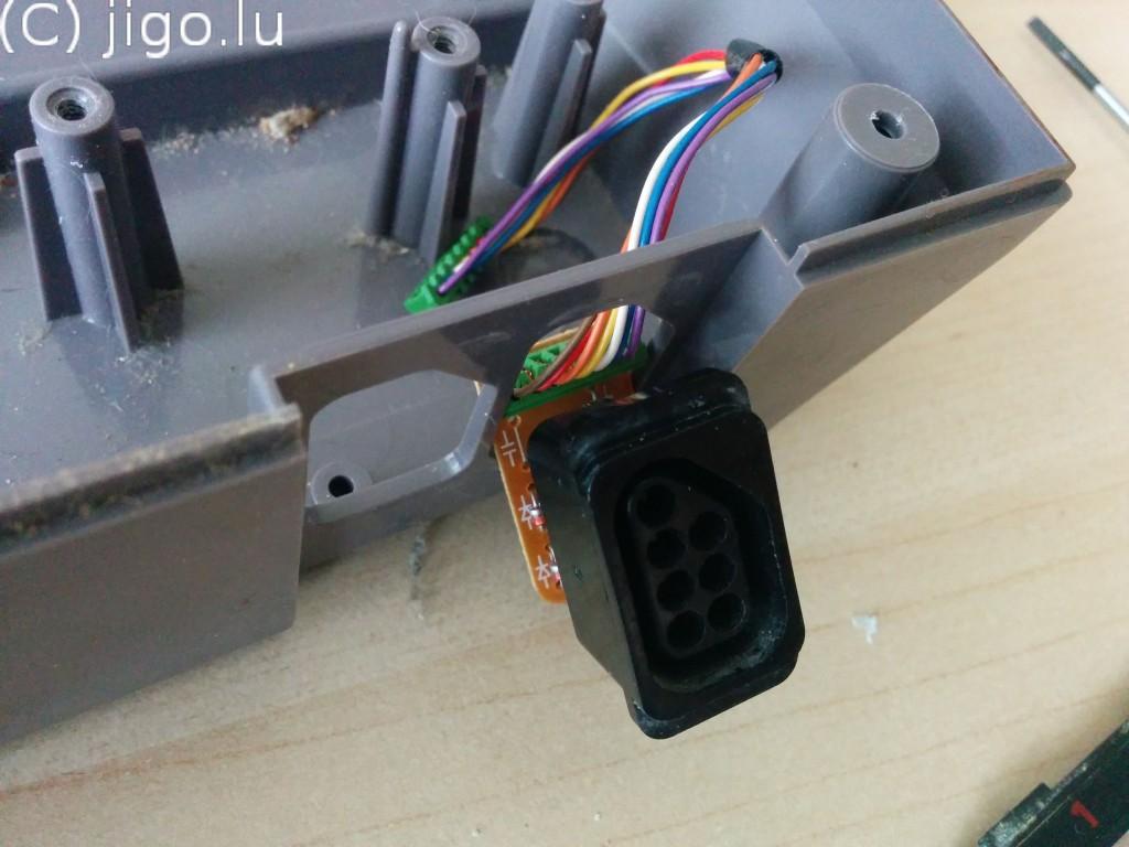 Controller connectors
